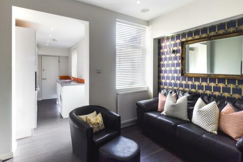 Guildford Street, Stoke, ST4. 4 bedroom terraced house