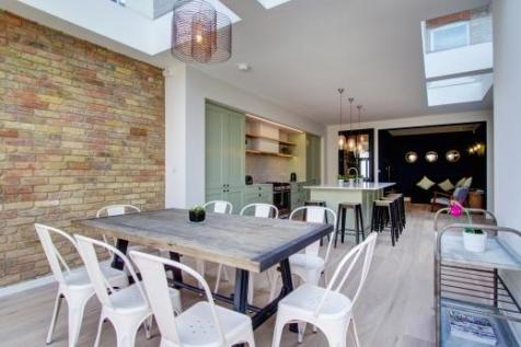 Kingsley Avenue, London, W13. 6 bedroom terraced house