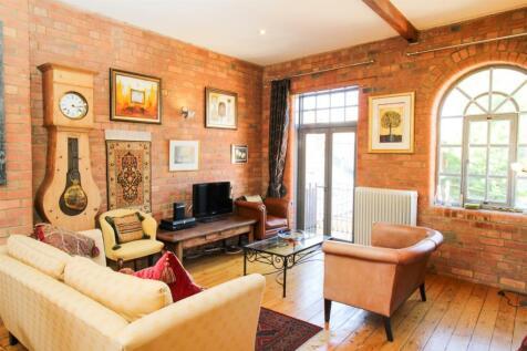 Gaiter & Spat, Northampton, NN1 5ER. 2 bedroom penthouse for sale
