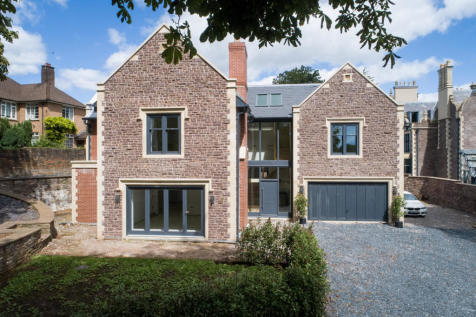 Chestnut House, Fields Park Road. 6 bedroom detached house