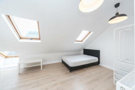 Ravensbourne Park, London, SE6. 1 bedroom apartment