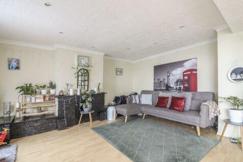 Laurel Road, Newport - REF#00008049. 3 bedroom maisonette for sale