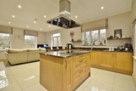 Corbetts Lane, Caerphilly REF#00009345. 5 bedroom detached house