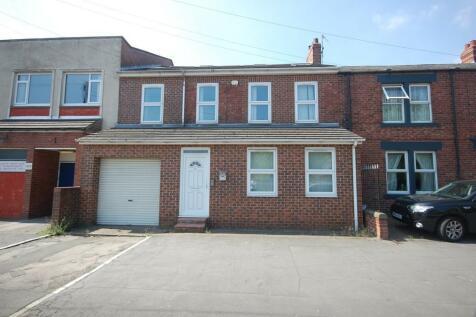 Front Street, Framwellgate Moor. 8 bedroom terraced house