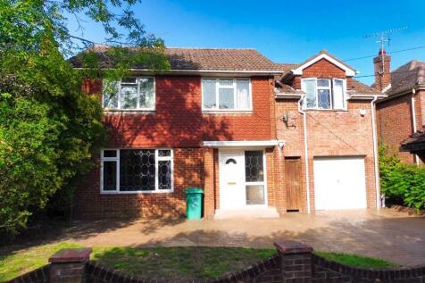 Jacobs Gutter Lane, Hounsdown, SO40. 5 bedroom detached house