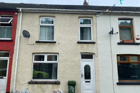 Woodfield Terrace, Mountain Ash, South Glamorgan, Rhondda Cynon Taff, CF45. 3 bedroom terraced house