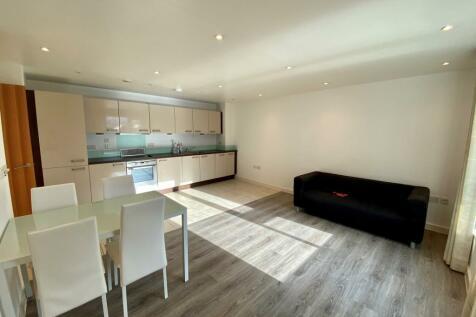 The Crescent, Gunwharf Quays. 2 bedroom apartment