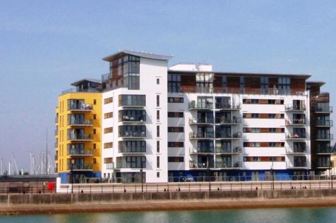 Bimini Court, Midway Quay, Sovereign Harbour North, Eastbourne, BN23. 3 bedroom apartment