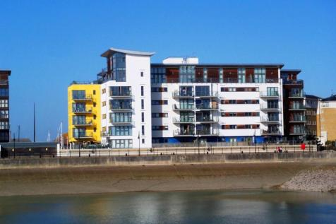 Centauri Court, Midway Quay, Sovereign Harbour North, Eastbourne, BN23. 2 bedroom apartment