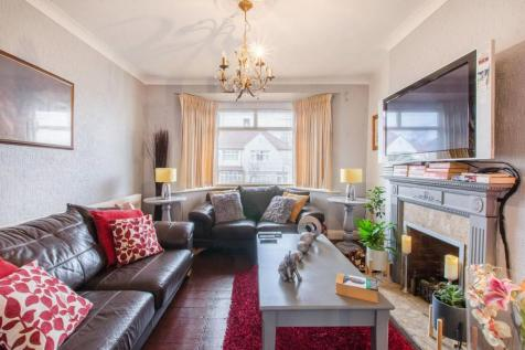 Chelford Road, Bromley, BR1. 4 bedroom terraced house for sale