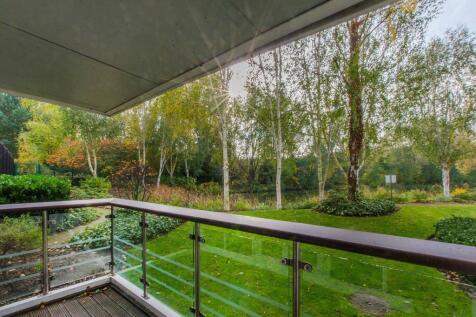 Creswell Drive, Park Langley, Beckenham, BR3. 2 bedroom flat
