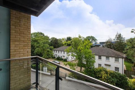 Homesdale Road, Bromley, BR2. 2 bedroom flat