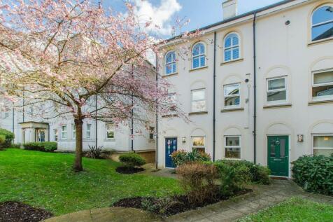 Freelands Road, Bromley, BR1. 2 bedroom maisonette