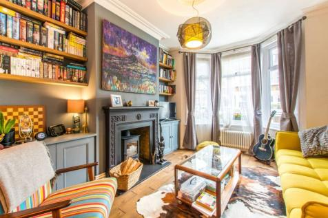 Livingstone Road, Walthamstow Village, London, E17. 4 bedroom house for sale