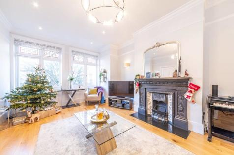 Greencroft Gardens, South Hampstead, London, NW6. 2 bedroom flat for sale