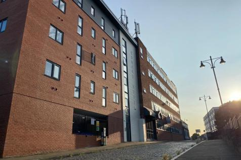 Edward Street, Stockport, Greater Manchester, SK1. 1 bedroom apartment