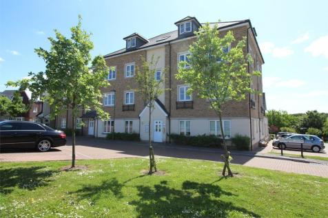 Allington Close, Farnham, Surrey, GU9. 2 bedroom apartment