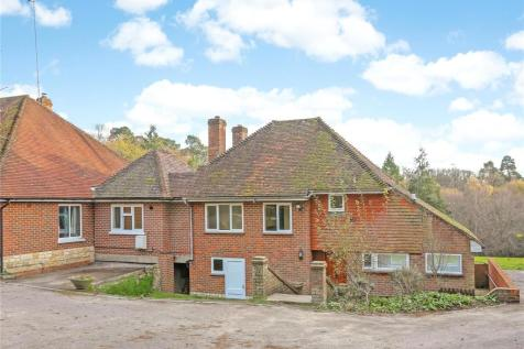 Compton Way, Farnham, Surrey, GU10. 3 bedroom semi-detached house