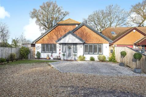 Chartwell, Farnham, Surrey, GU9. 3 bedroom detached house for sale