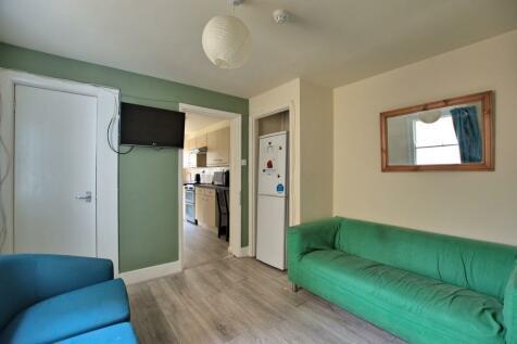 Room 4, 64 Devonshire Road. 1 bedroom house share