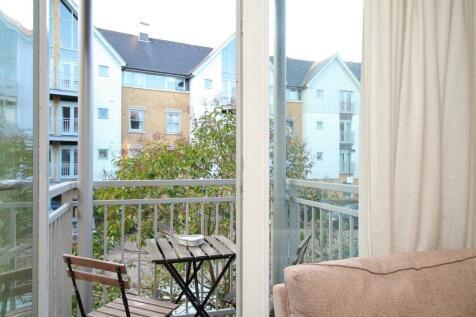 Bingley Court, Canterbury. 2 bedroom apartment