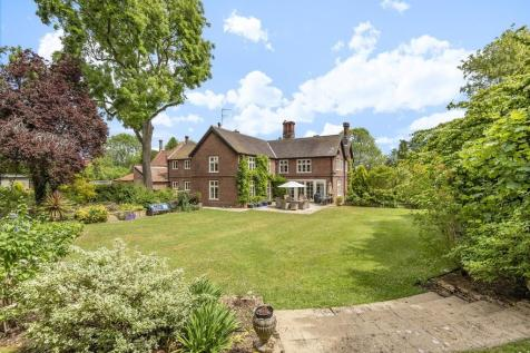 Barford, Norwich. 9 bedroom detached house