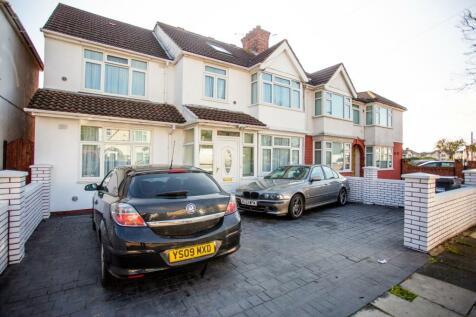 Clevedon Gardens, Hounslow, TW5. 6 bedroom semi-detached house