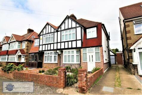 Greencroft Road, Hounslow, TW5. 3 bedroom semi-detached house