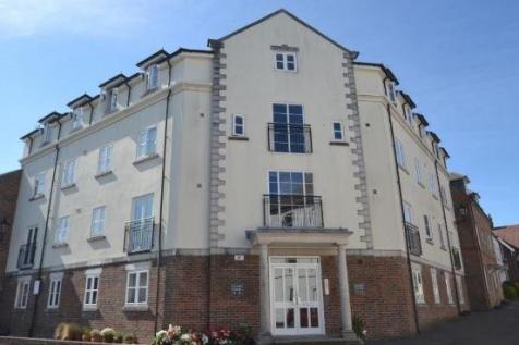 , Dorchester. 2 bedroom flat