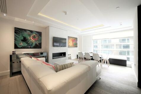 High Street Kensington, Kensington, W14. 3 bedroom apartment