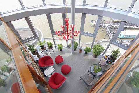 Falcon Wharf, Battersea. 3 bedroom apartment