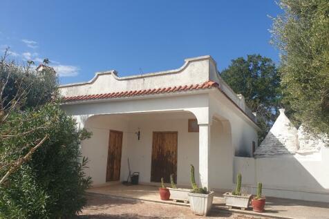 Ceglie Messapica, Brindisi, Apulia. 3 bedroom detached house for sale