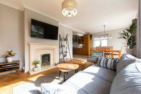 Fairmead, Pentwyn Road, Treharris. 4 bedroom detached house