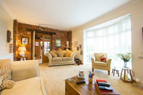 Ash Grove Edwardsville, Treharris. 3 bedroom bungalow for sale