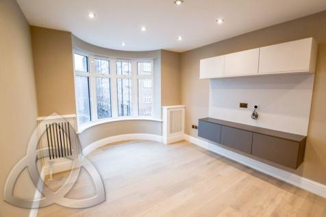 William Court, Hall Road, St. Johns Wood, NW8. 1 bedroom apartment