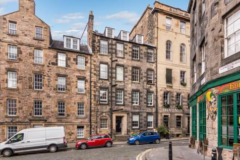 Merchant Street, Old Town, Edinburgh, EH1. 4 bedroom flat for sale