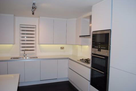 Queens Road, London, NW4. 2 bedroom apartment