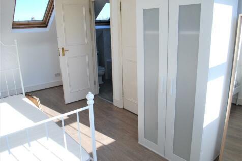 RM 6 Johns Avenue, London, NW4. 1 bedroom house share