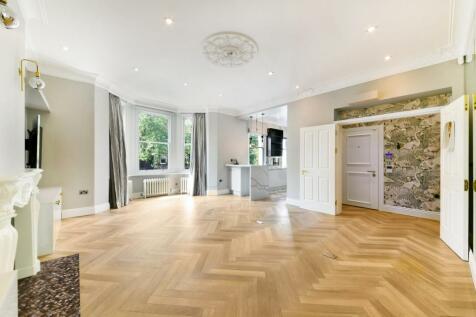 Lancaster Grove, Belsize Park, London, NW3. 2 bedroom flat
