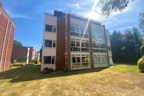 Canford Cliffs. 2 bedroom apartment