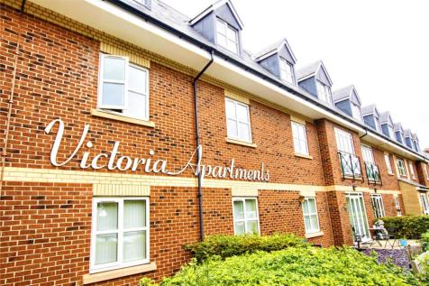 Victoria Apartments, Park Road North. 2 bedroom retirement property for sale