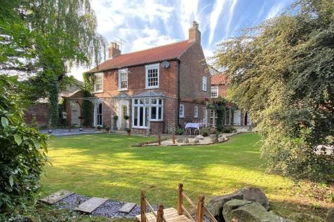St Johns Road, Driffield. 5 bedroom detached house for sale