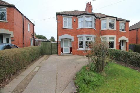Scarborough Road, Driffield. 3 bedroom semi-detached house for sale