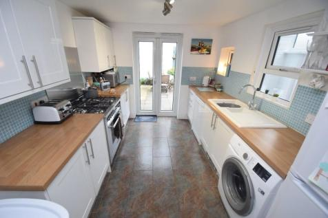 Commercial Road, Eastbourne. 2 bedroom terraced house