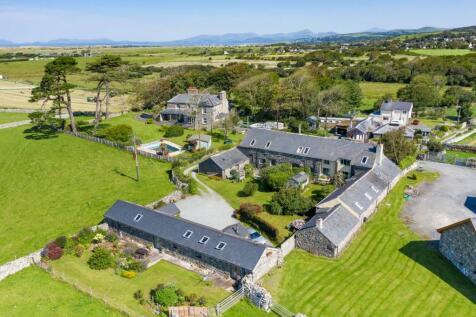 Llys Bennar, Dyffryn Ardudwy. 14 bedroom detached house for sale