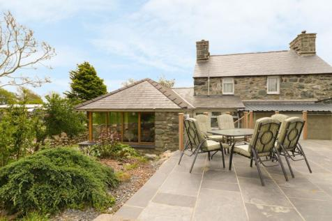 Bryn Y Bwyd,Former Farmhouse with Campsite,Talybont. 3 bedroom detached house for sale