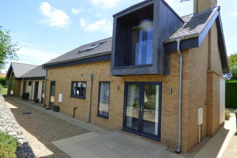 Spire View, Leconfield, Beverley, East Yorkshire, HU17 7FH. 4 bedroom detached house for sale