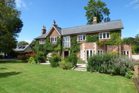 Bluebell Gardens, Woodfield Lane, Hessle. 5 bedroom detached house for sale