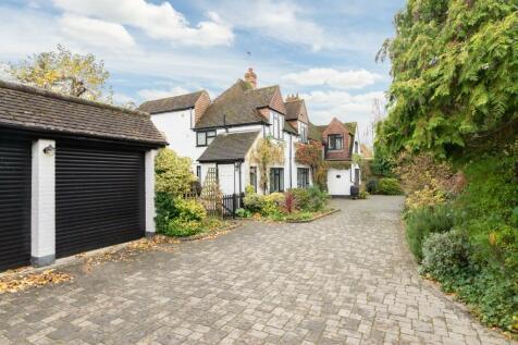 Beecot Lane, Walton-On-Thames, Surrey, KT12. 6 bedroom detached house for sale
