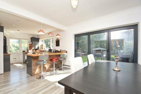 Stoke Road, Walton-On-Thames, Surrey, KT12. 5 bedroom detached house for sale